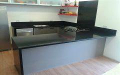 Cozinha em Granito Preto Absoluto - Suporte em Silestone