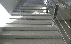 Escada em Granito Branco Nevasca